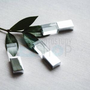 Серебрянная стеклянная флешка с металическим колпачком