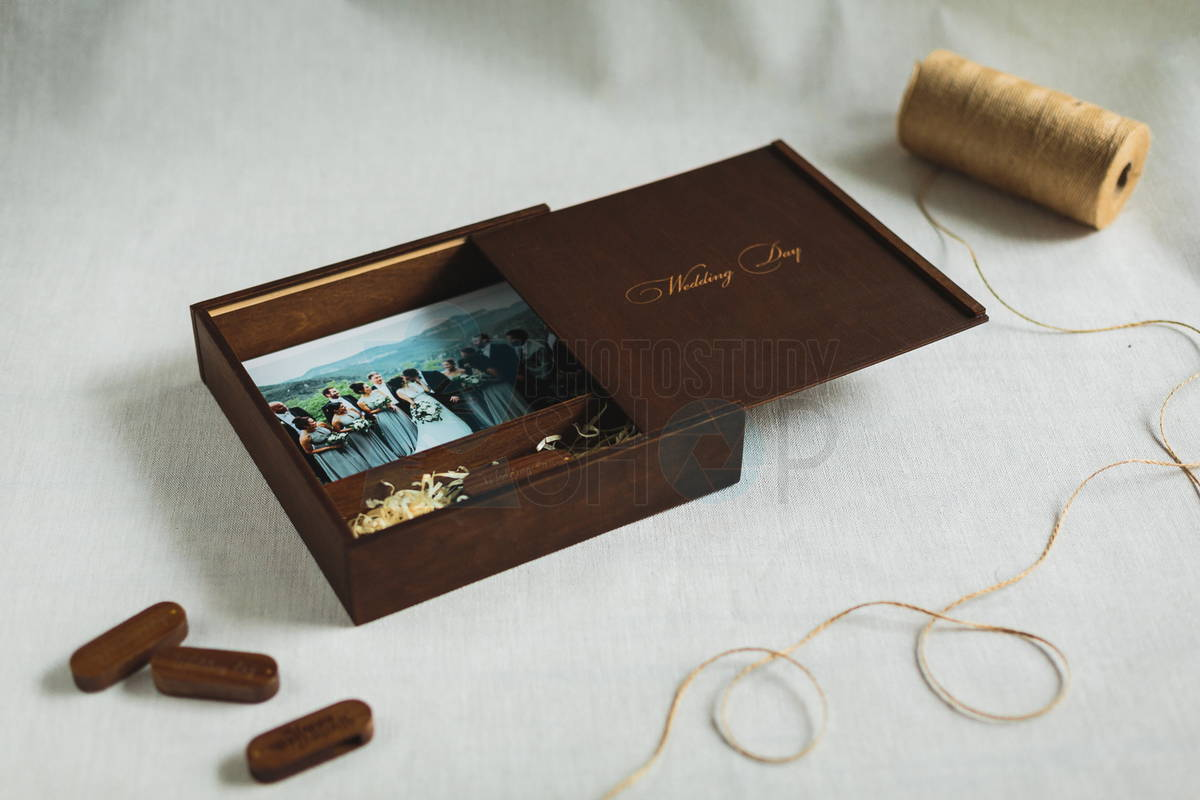 Выдвижная коробка с логотипом для фото 15х21