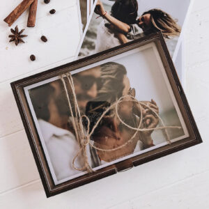 _box_for_photos_wood_glass