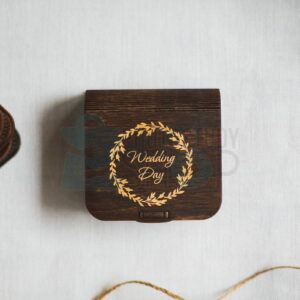 Темная коробка для флешки Visual